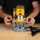 DeWalt 7.0A 16,000 to 27,000 rpm Router Kit Image 2