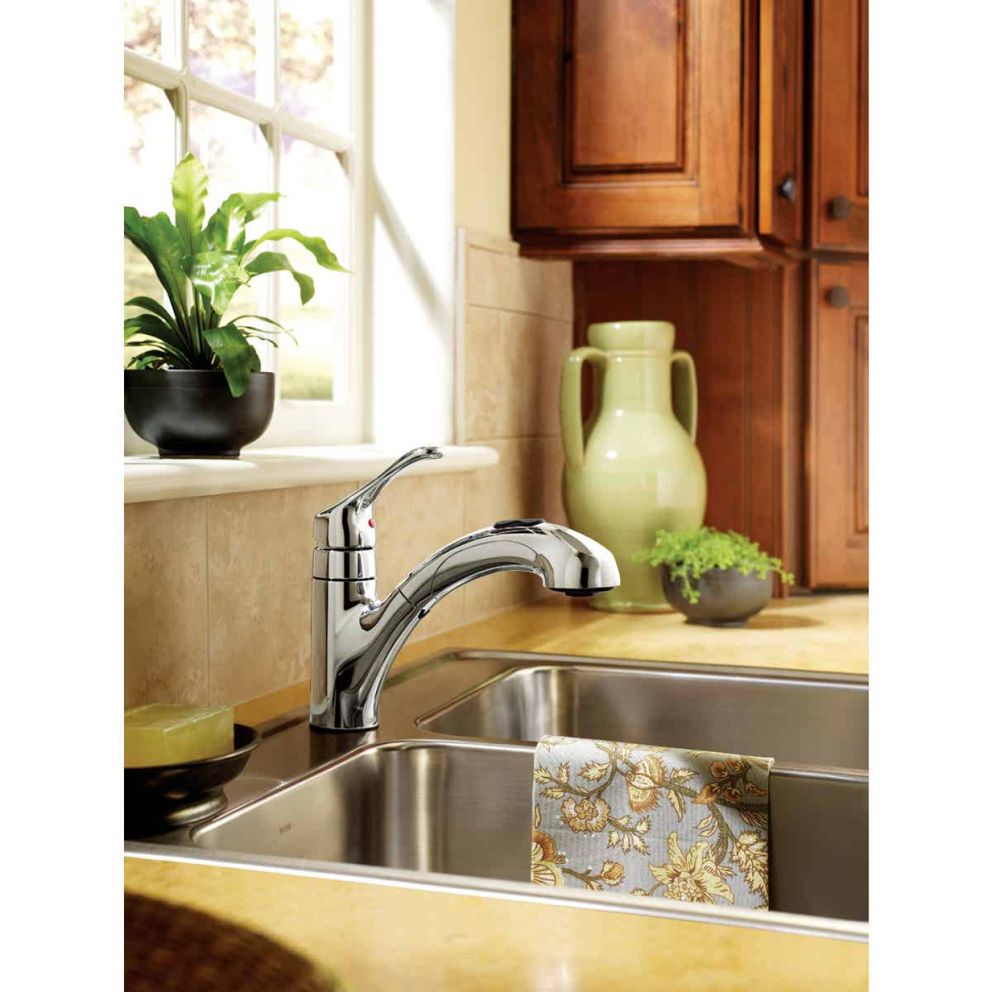 Moen Renzo Single Handle Lever Pull-Out Kitchen Faucet, Chrome Image 3